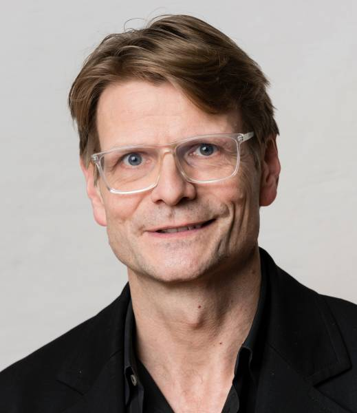 Dr. Carsten Siebert