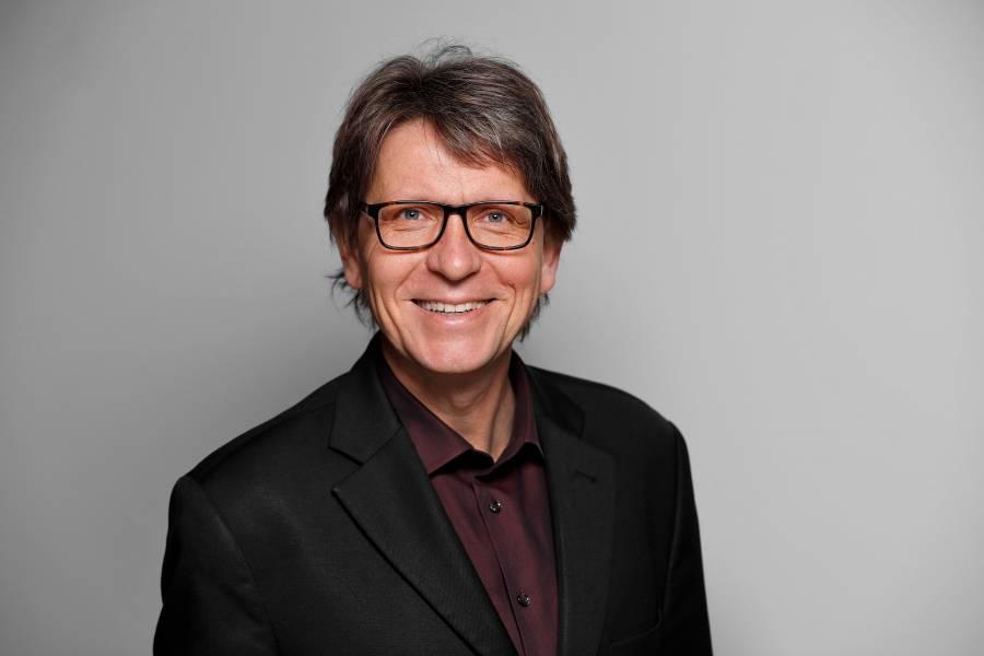 Dr. Thomas Fischer